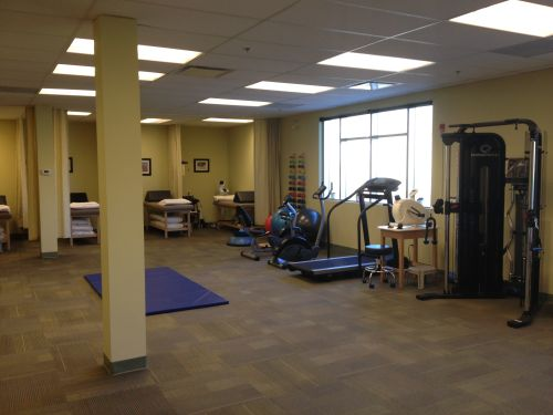 photograph of gym area at advantage health aspen pt Health