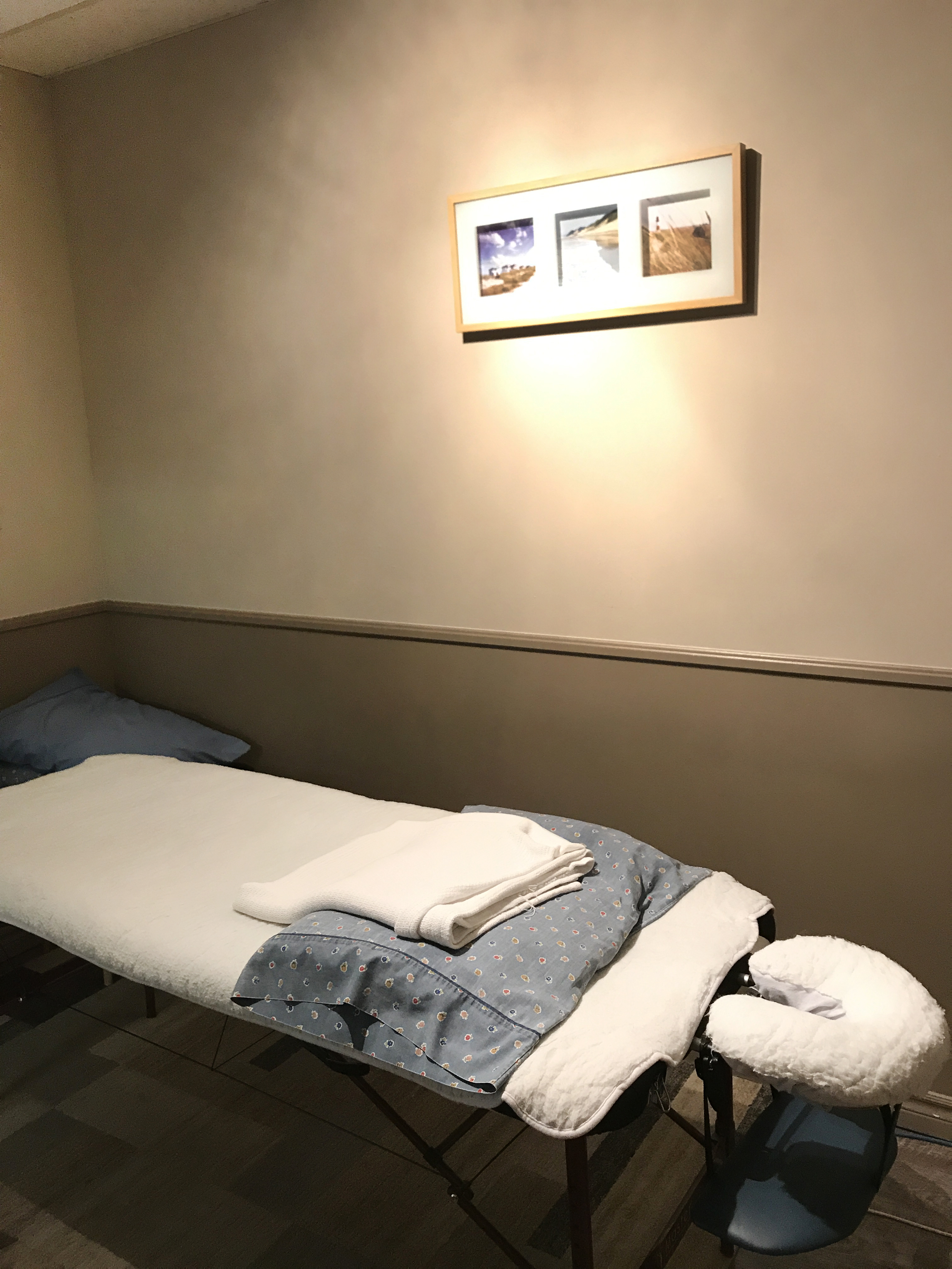 Massage therapy private room at Mountain physiotherapy