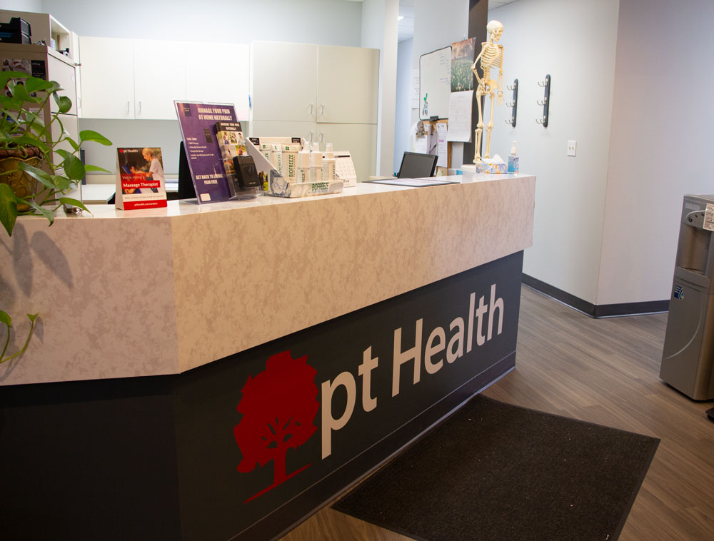 photo of pt health limeridge physiotherapy and rehabilitation hamilton reception desk