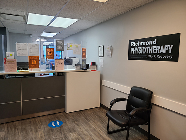 photo of pt Health Richmond Physiotherapy reception area with safety measures in place