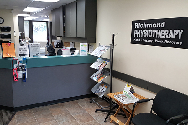 photo of pt Health Richmond Physiotherapy reception desk