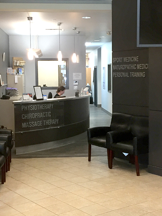 Photo of reception area of Advantage Health Royal Oak in Calgary Alberta