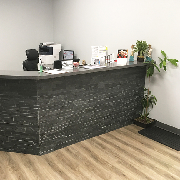 Photograph of Sarnia Physiotherapy pt Health's private massage therapy room
