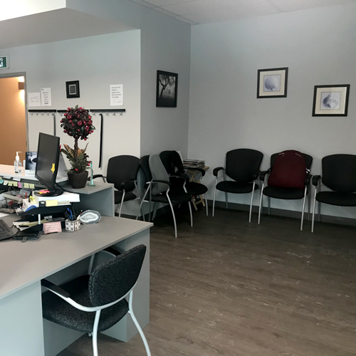 photo of pt health barrie physiotherapy waiting room