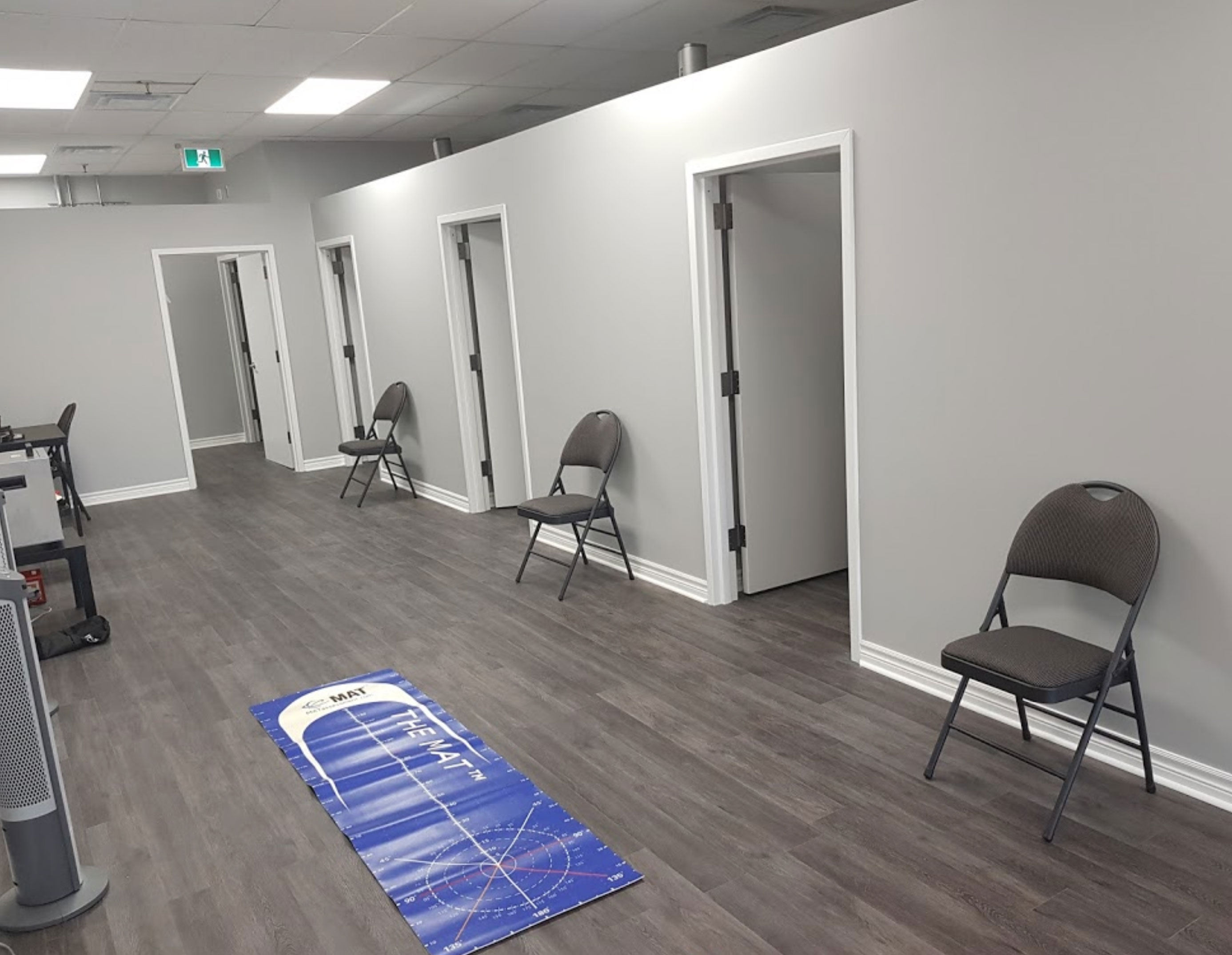 Image of the hallway of Isomatic Integrative Health Centre physiotherapy clinic in Woodbridge