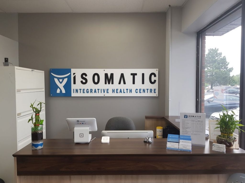 Image of the front desk of Isomatic Integrative Health Centre physiotherapy clinic in Woodbridge