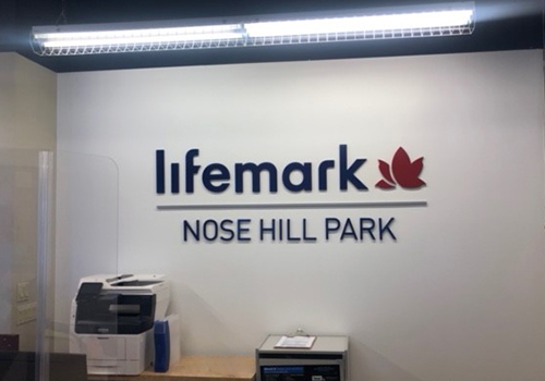 photo of Lifemark Physiotherapy Nose Hill Park reception wall