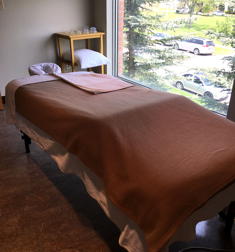 photo of nose hill park physiotherapy calgary treatment room