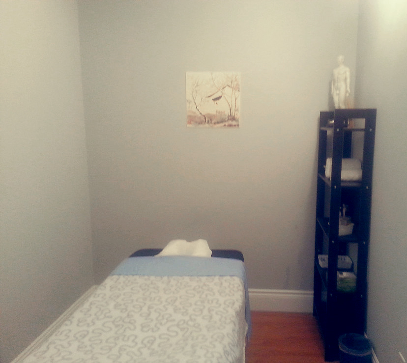 photo of natural healing health centre and spa toronto treatment room