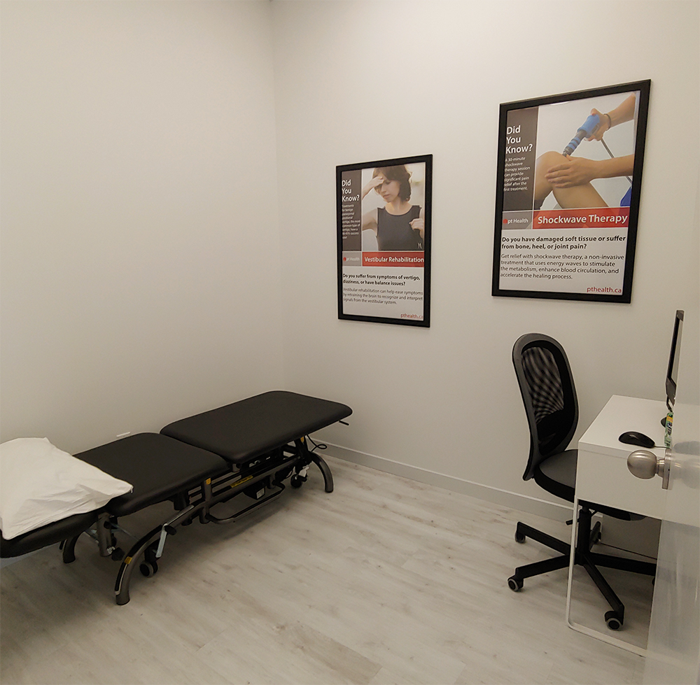 photo of pt health oshawa physio and rehab reception desk