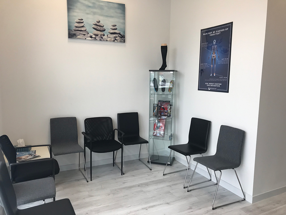 photo of pt health oshawa physio and rehab waiting area